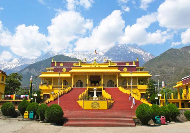 Dalai-Lama-temple-Mcleoad-Ganj