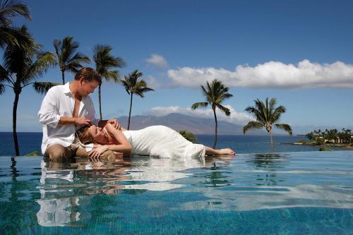 Hawaii-best-Honeymoon-Places26478645_2014227143423