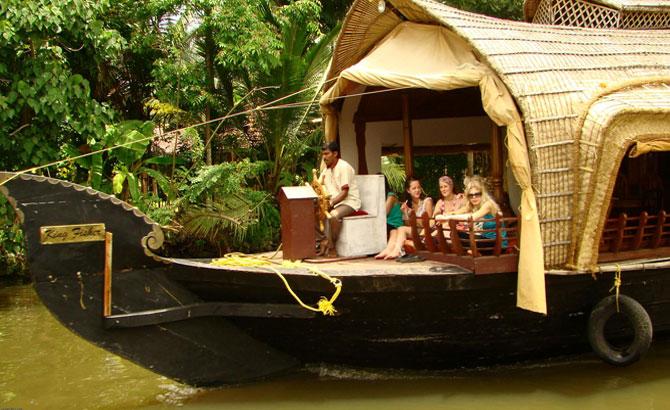 Houseboat Day 05 - Houseboat