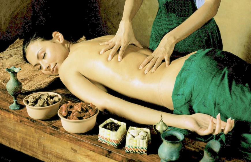 Kerala-Ayurvedic-Treatment-Therapies-Massage-Resorts