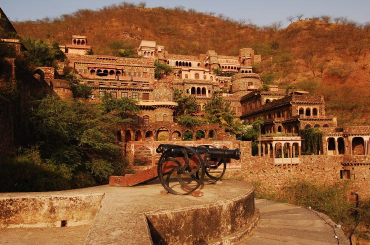 Neemrana Fort and the Palace